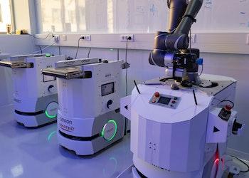 Autonomous Mobile Robot (AMR)
