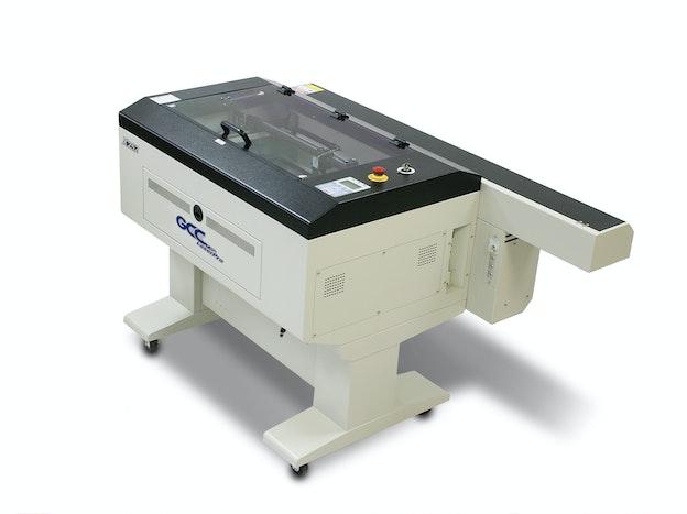 GCC X252 laserkuttemaskin sett ovenfra sideveis