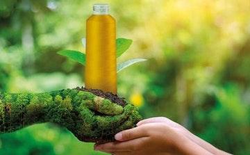 Madeira sensa green spole med grønn bakgrunn