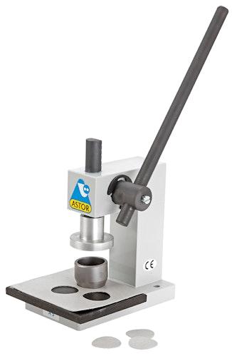 Astor A5 knappetrekkingsmaskin med kutteverktøy