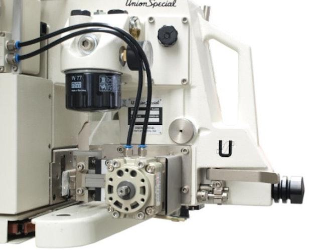 Sekkelukker i automat med innbrett automatisk føring
